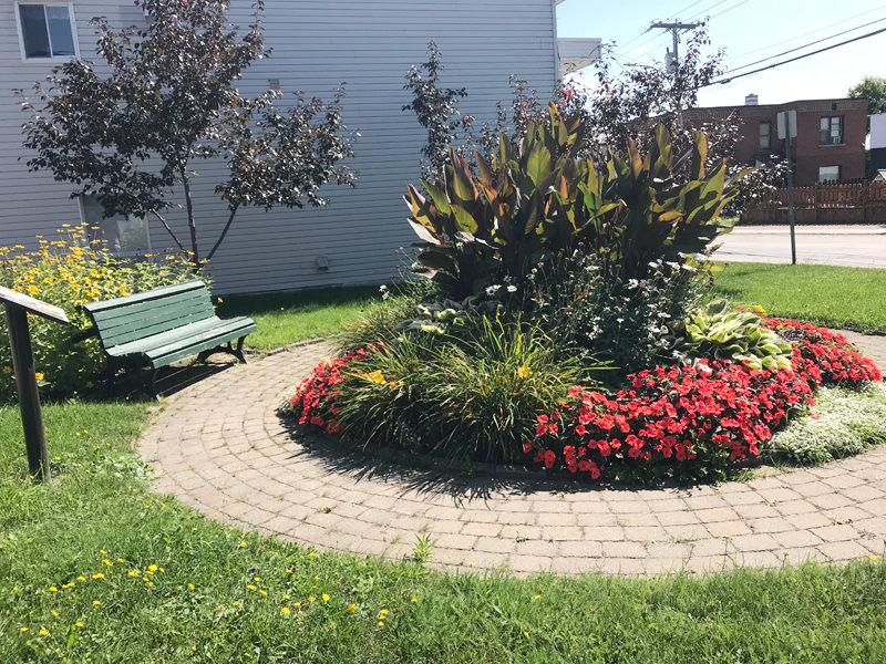 Parcs et Espaces verts - Place Lucien Lafrance